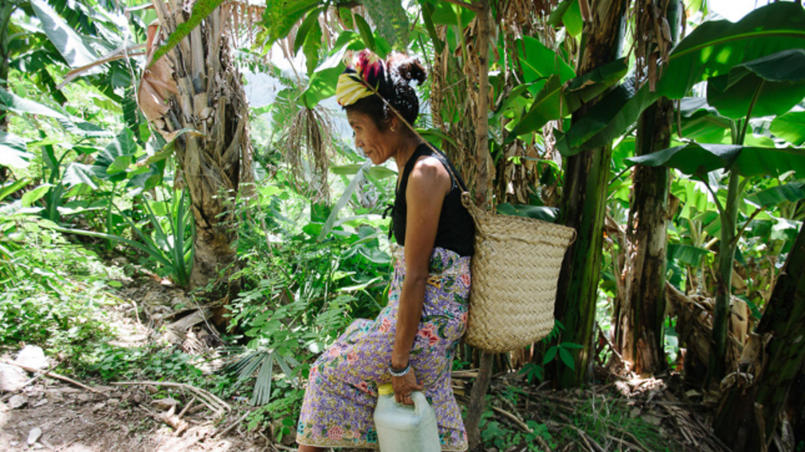 Timor-Leste – Woman carrying water
