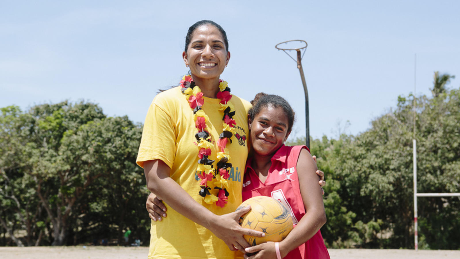 Lua with young netballer