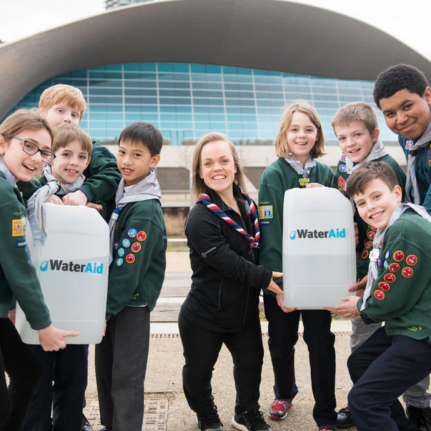 Ellie Simmonds with 2nd East London Scouts at the launch of the walk for water