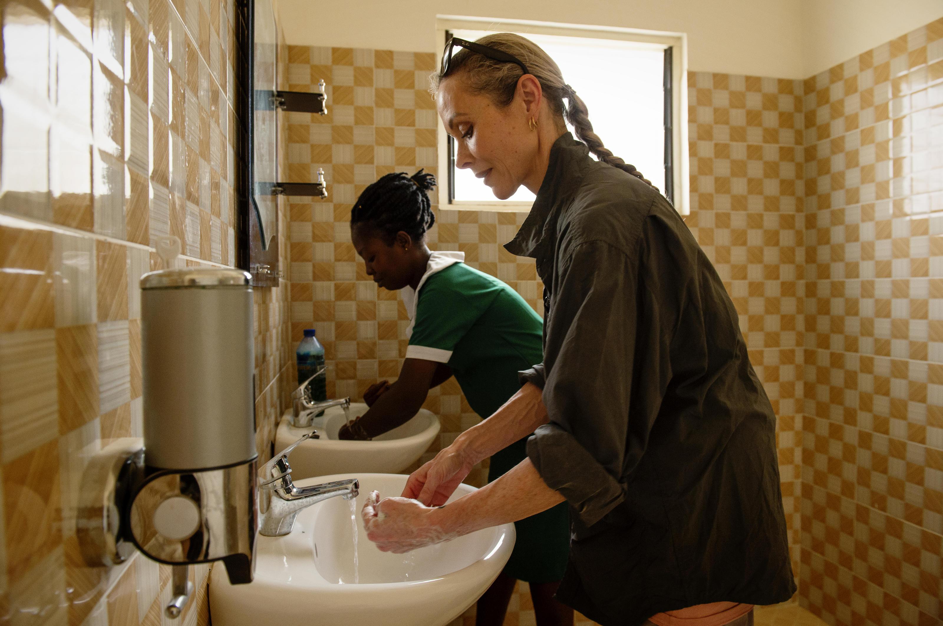Amanda Mealing Actress amanda mealing: healthcare from holby to ghana   wateraid uk