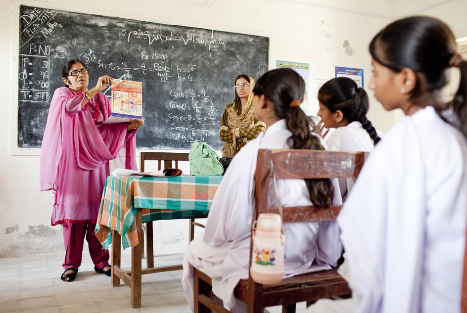School girls in Pakistan get advice on maintaining good hygiene during their periods.